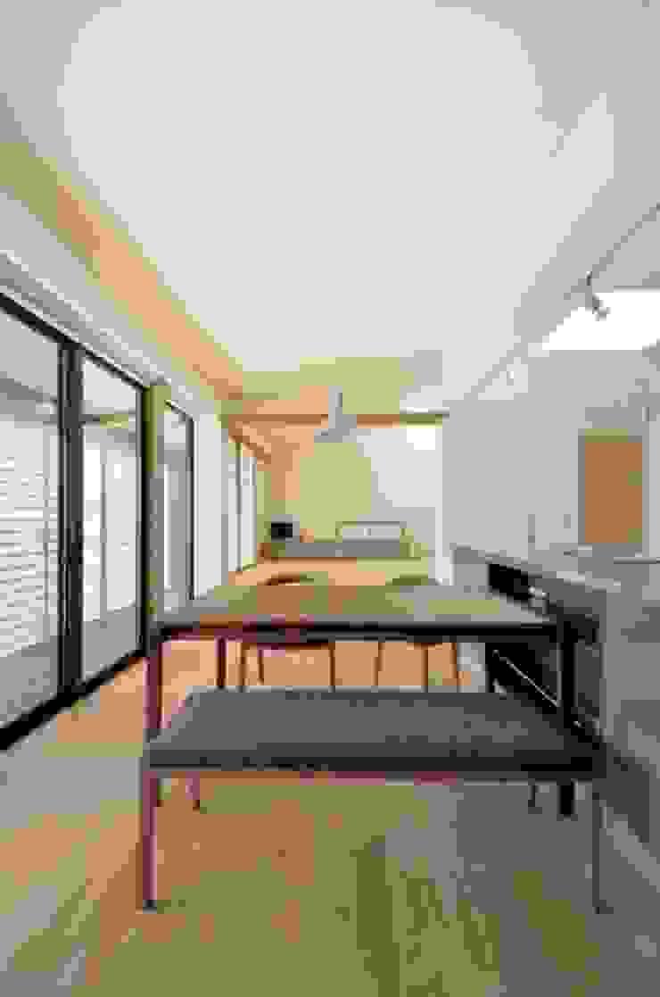 小さな平屋 モダンデザインの リビング の 岩田建築アトリエ モダン