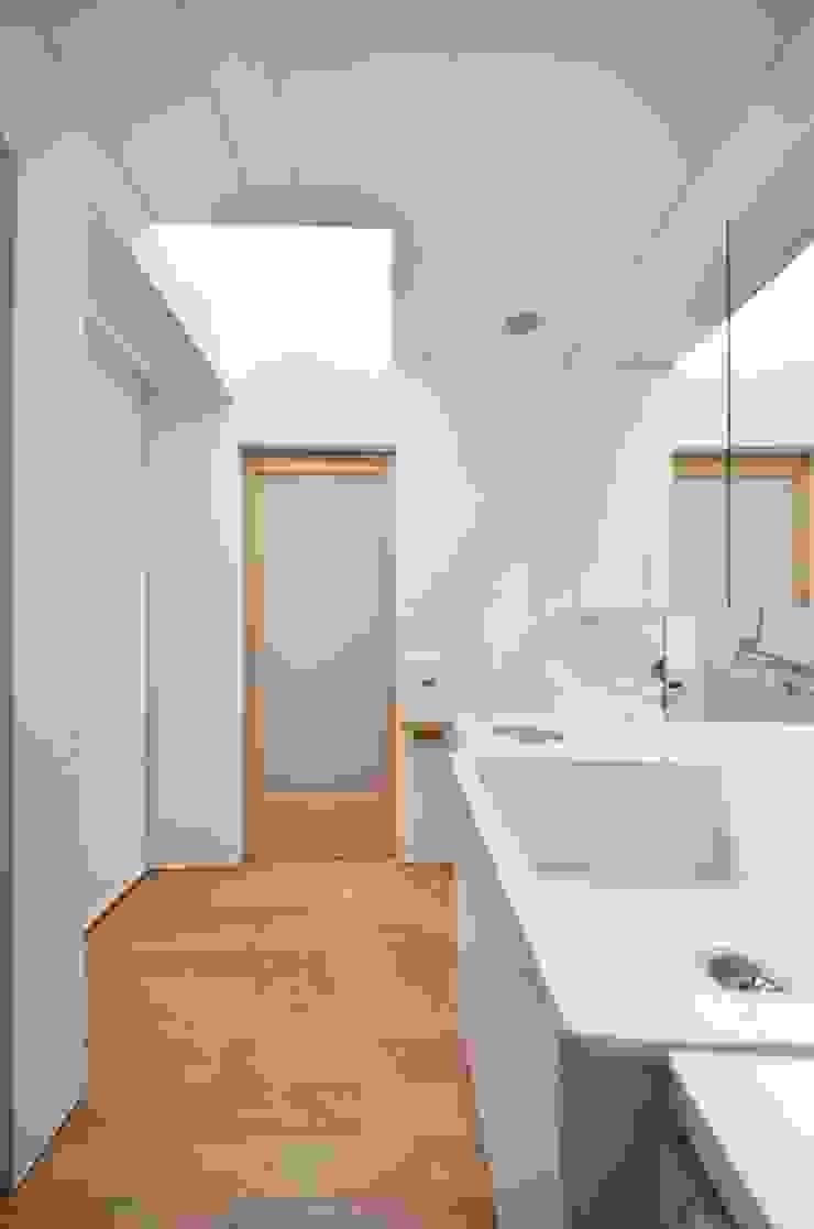 小さな平屋 モダンスタイルの お風呂 の 岩田建築アトリエ モダン