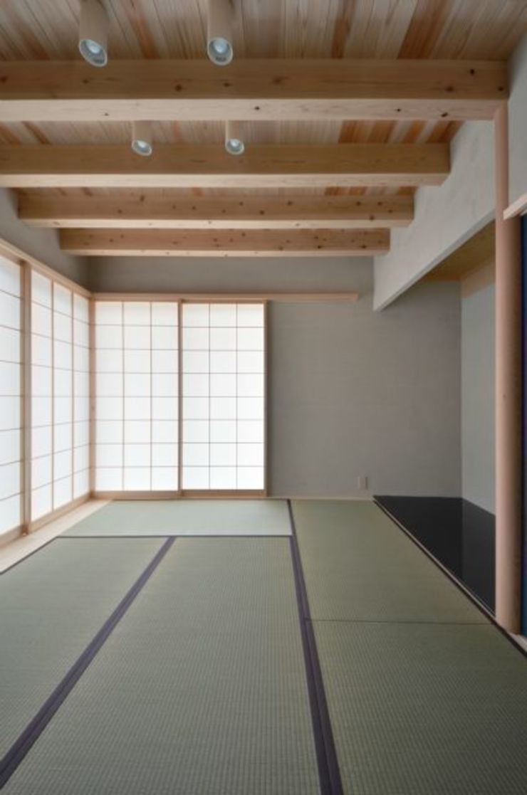 和モダンの家 和風デザインの 多目的室 の 岩田建築アトリエ 和風
