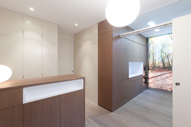 Modern kitchen by 4+1 arquitectes Modern