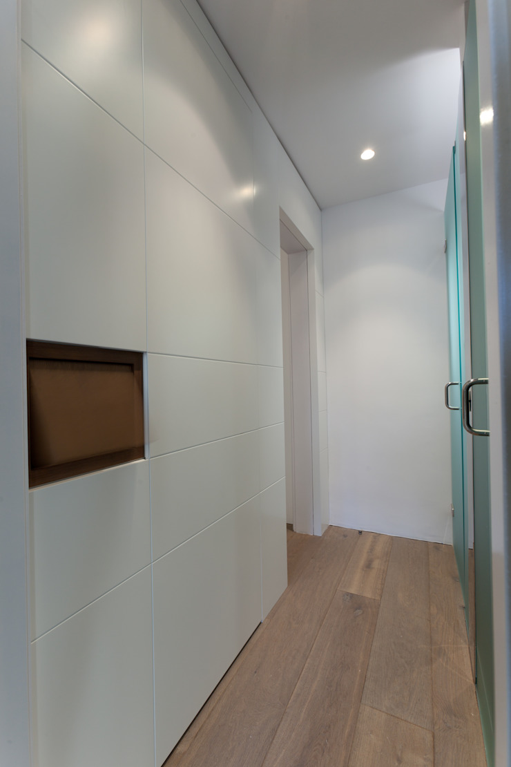 4+1 arquitectes Modern style dressing rooms