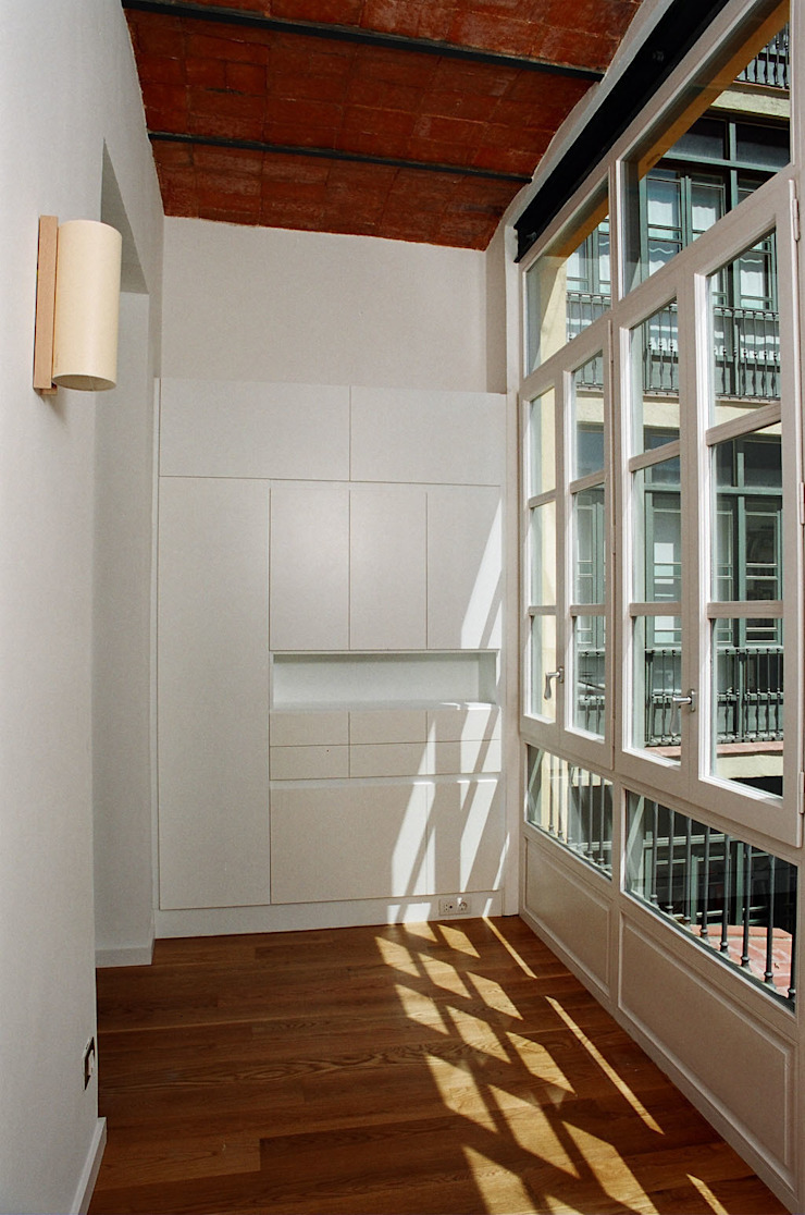 4+1 arquitectes Modern style study/office