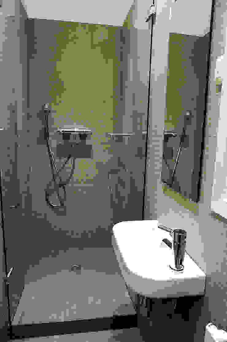 4+1 arquitectes Minimalist style bathrooms