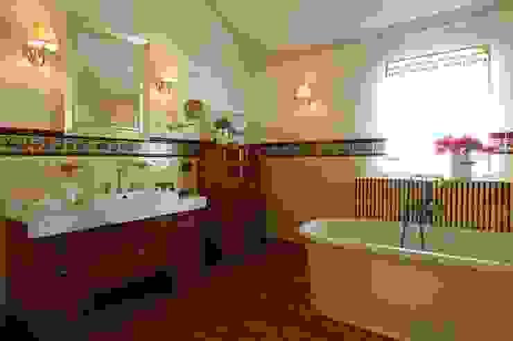 Bathroom by Tatiana Ivanova Design, Classic