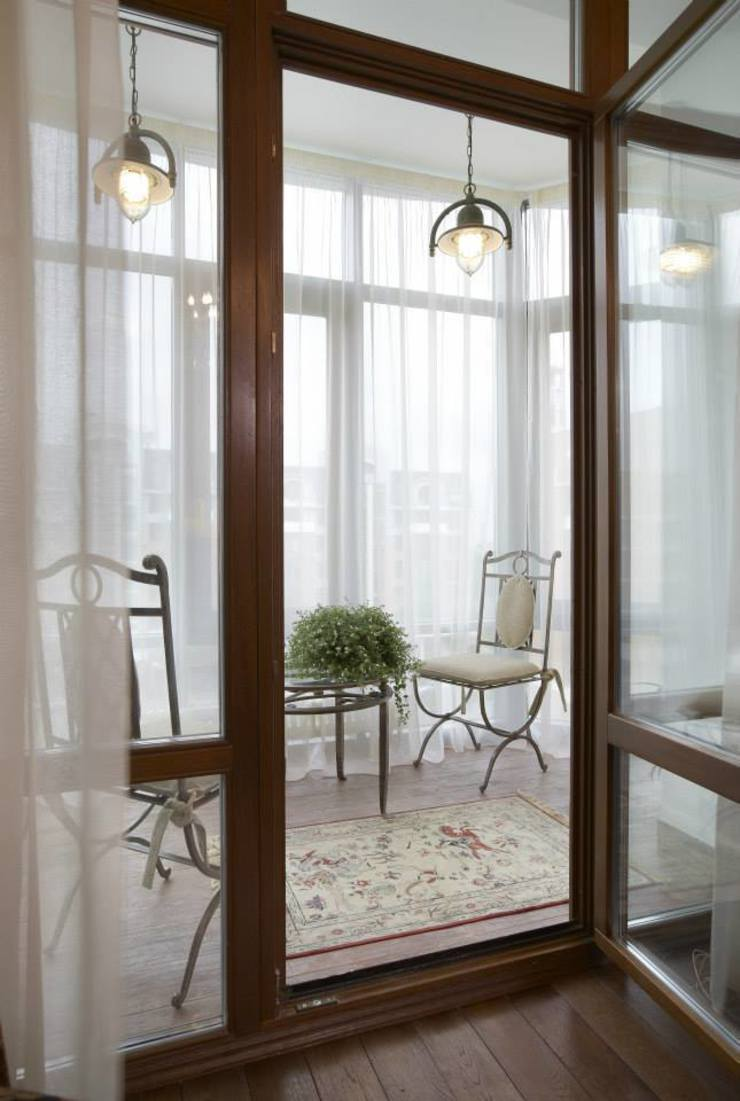 Tatiana Ivanova Design Classic style balcony, veranda & terrace