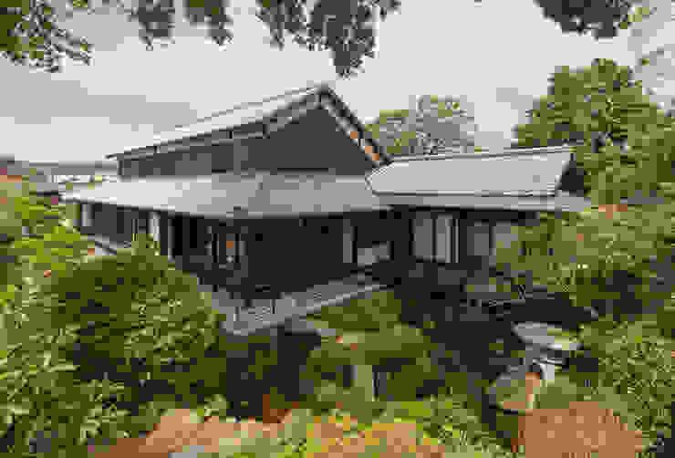 Asian style houses by 環アソシエイツ・高岸設計室 Asian