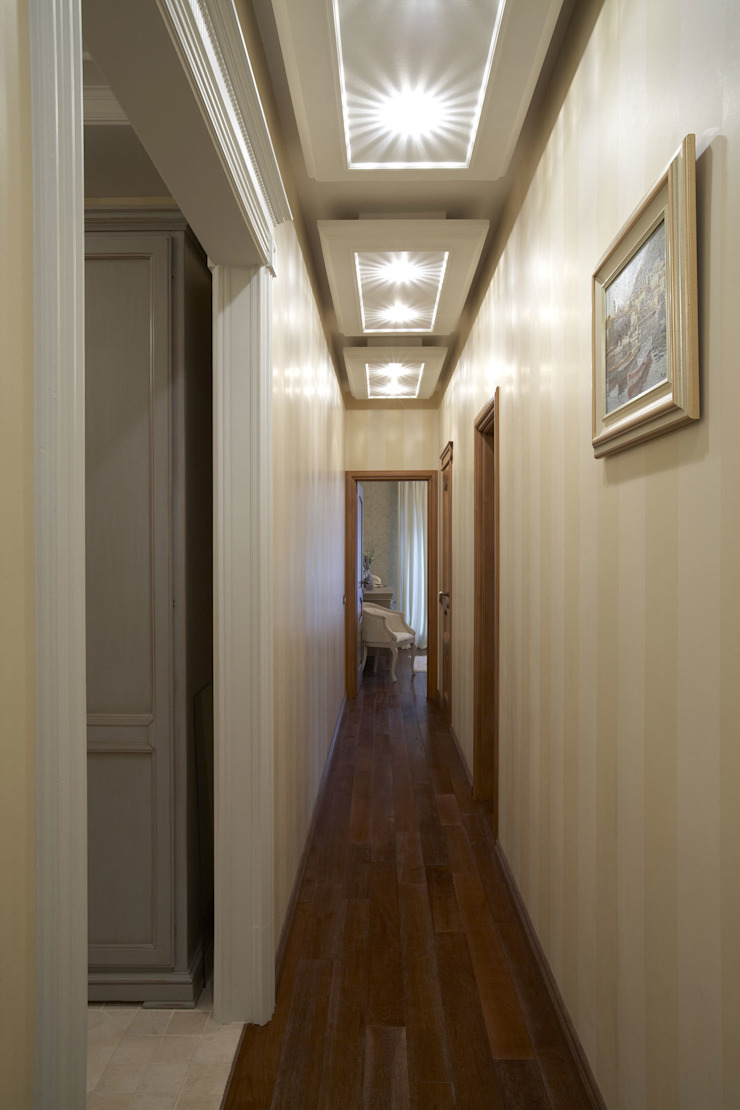 Квартира 135 м2 Коридор, прихожая и лестница в классическом стиле от Tatiana Ivanova Design Классический