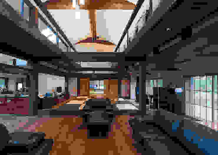غرفة المعيشة تنفيذ 環アソシエイツ・高岸設計室, أسيوي