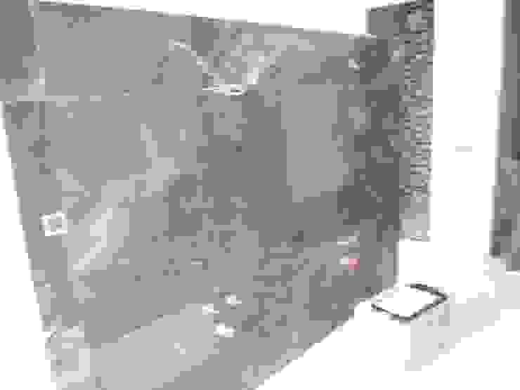 Aris & Paco Camús Moderne Badezimmer