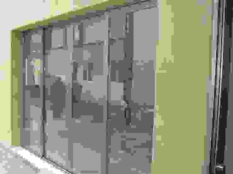 Aris & Paco Camús Moderne Fenster & Türen