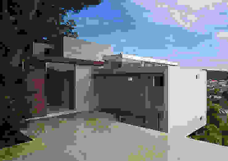 段床の家/葉山K邸 (Dansho -no IE ) モダンな 家 の Archiplus Architectural Design Office / ㈱アーキプラス一級建築士事務所 モダン ガラス