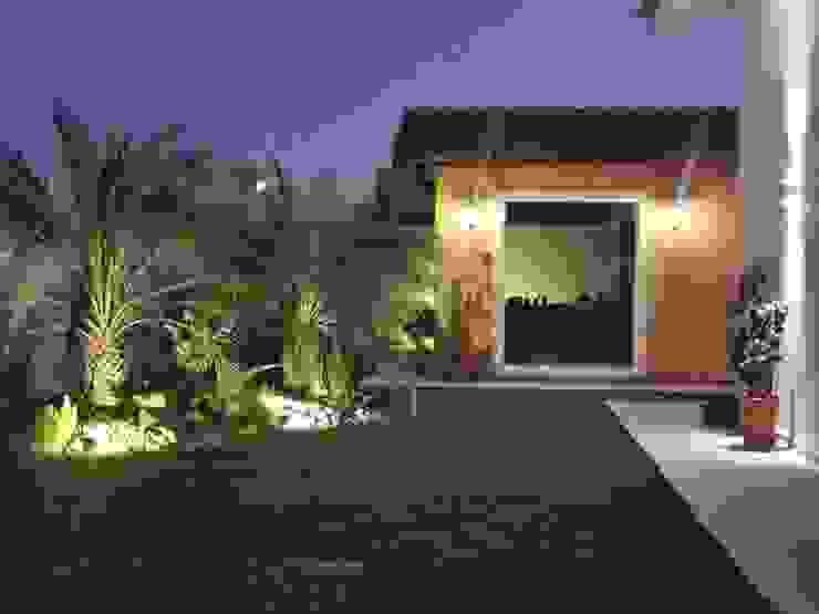 Residencia em Catanduva Jardins campestres por Celina Molinari Arquitetura e Interiores Campestre