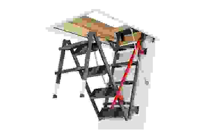 de Fakro Pivot Çatı Pencereleri Clásico Madera Acabado en madera