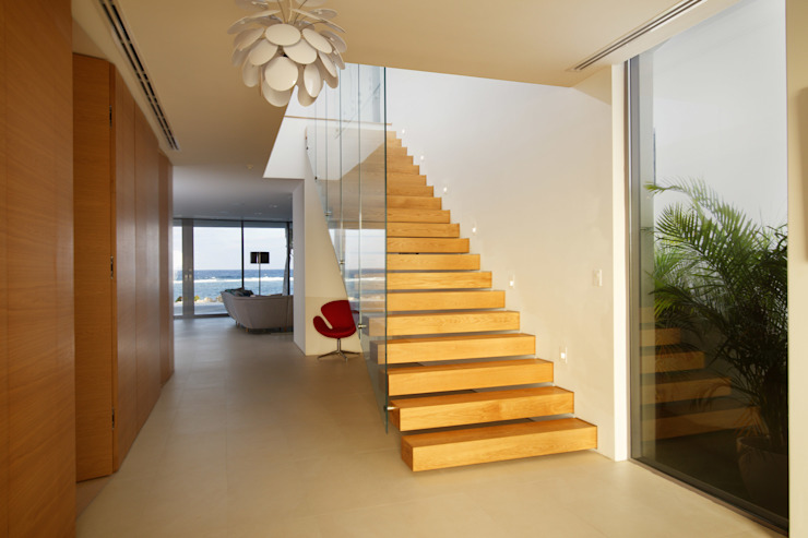 Rum Point Tye Architects Modern corridor, hallway & stairs