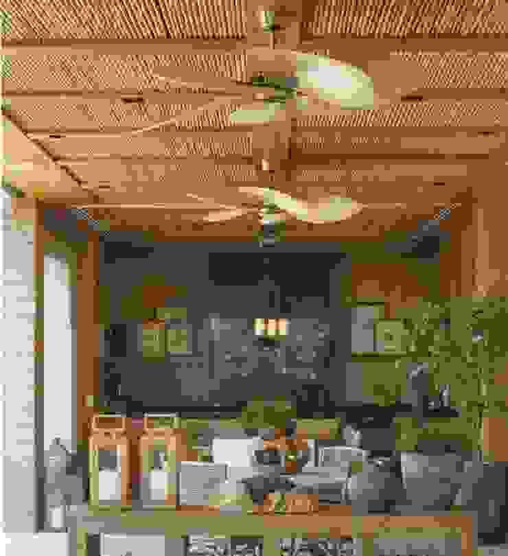 CASA BRUNO Windpointe ventilador de techo latón antiguo, aspas ISP1 de palmera natural Balcones y terrazas de estilo tropical de Casa Bruno American Home Decor Tropical