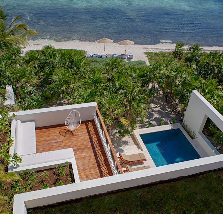 Terrazas de estilo  de Specht Architects, Tropical