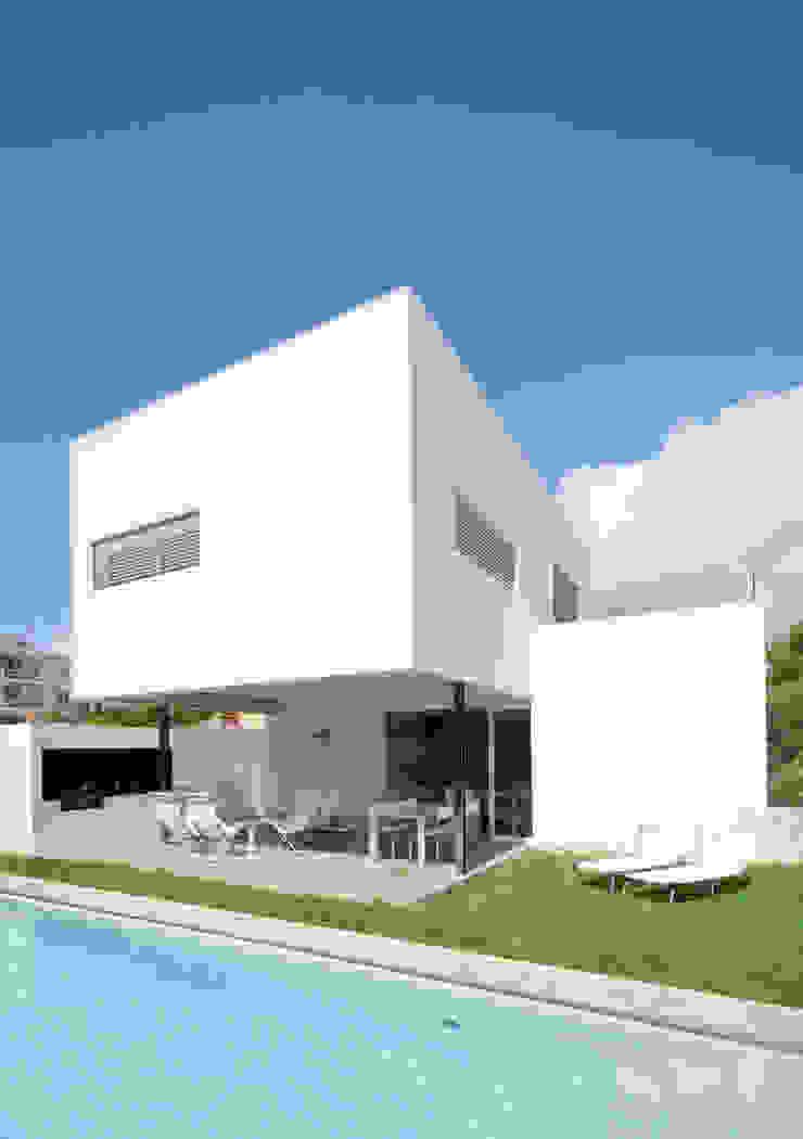 CASA RM Jardines de estilo minimalista de RM arquitectura Minimalista