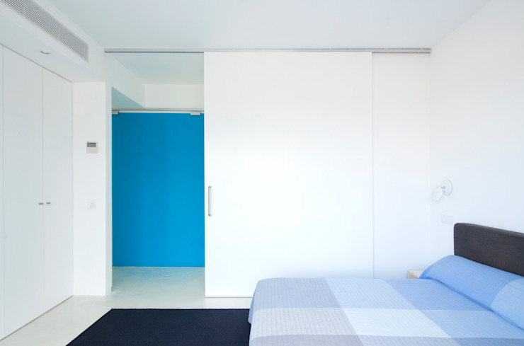 Bedroom by RM arquitectura, Minimalist