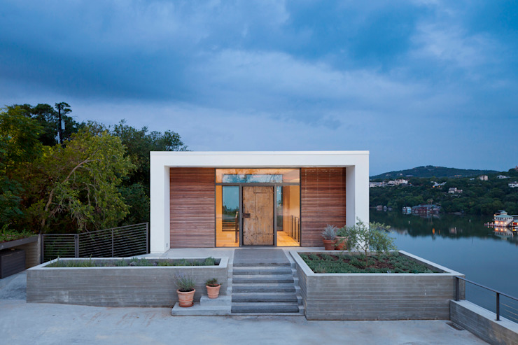 Cliff Dwelling Case moderne di Specht Architects Moderno