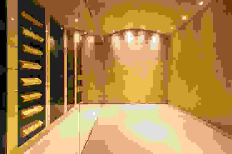 CASA SV II RM arquitectura Bodegas de estilo minimalista