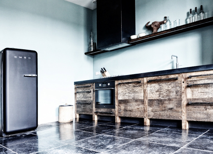Industrial style kitchen by homify Industrial Wood Wood effect