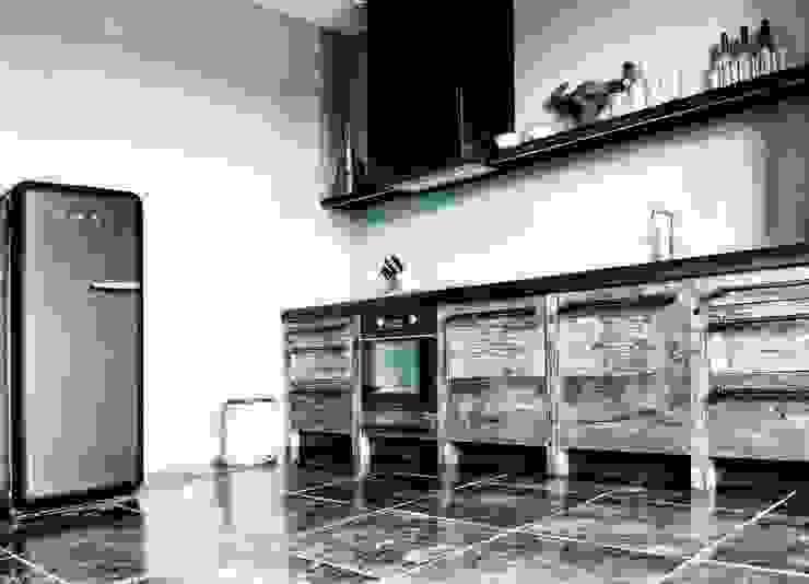 Dapur Gaya Industrial Oleh homify Industrial Kayu Wood effect