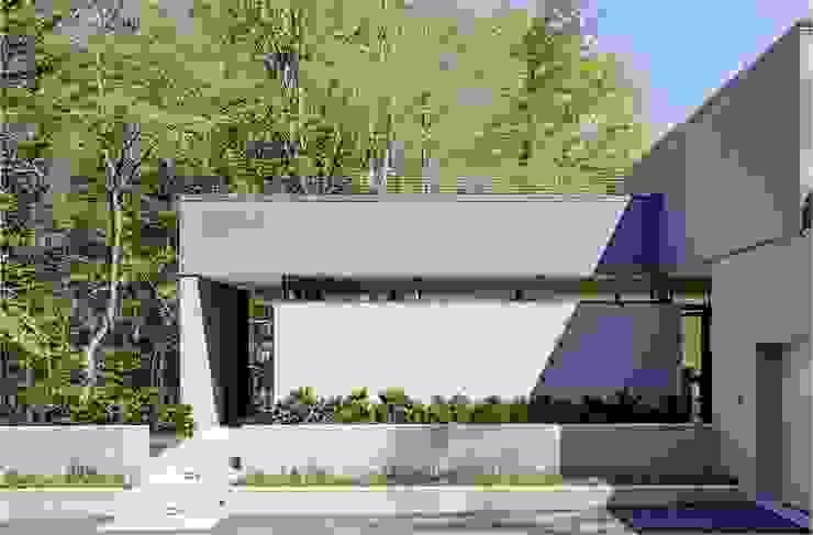 Weston Residence Maisons modernes par Specht Architects Moderne