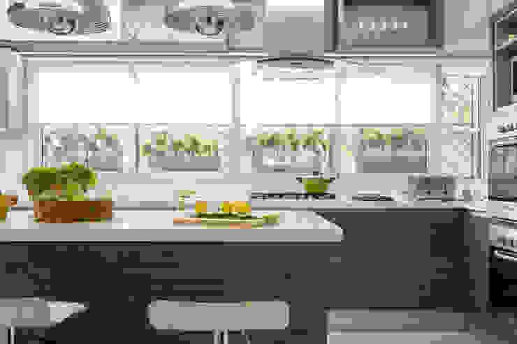 cocina Cocinas de estilo moderno de GUTMAN+LEHRER ARQUITECTAS Moderno