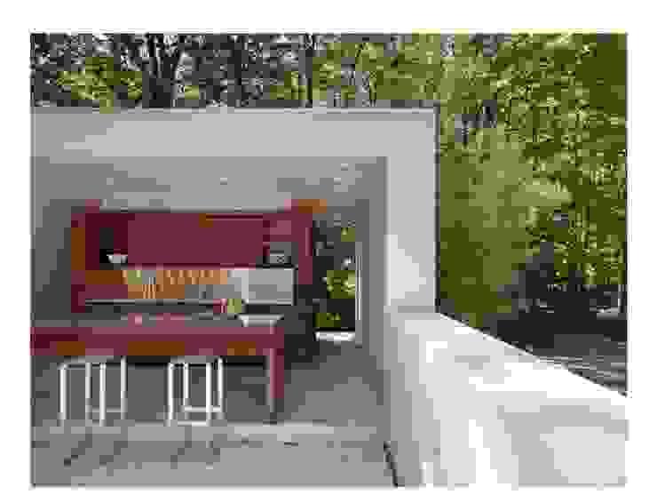 Poolside Outdoor Kitchen Specht Architects Piscine moderne
