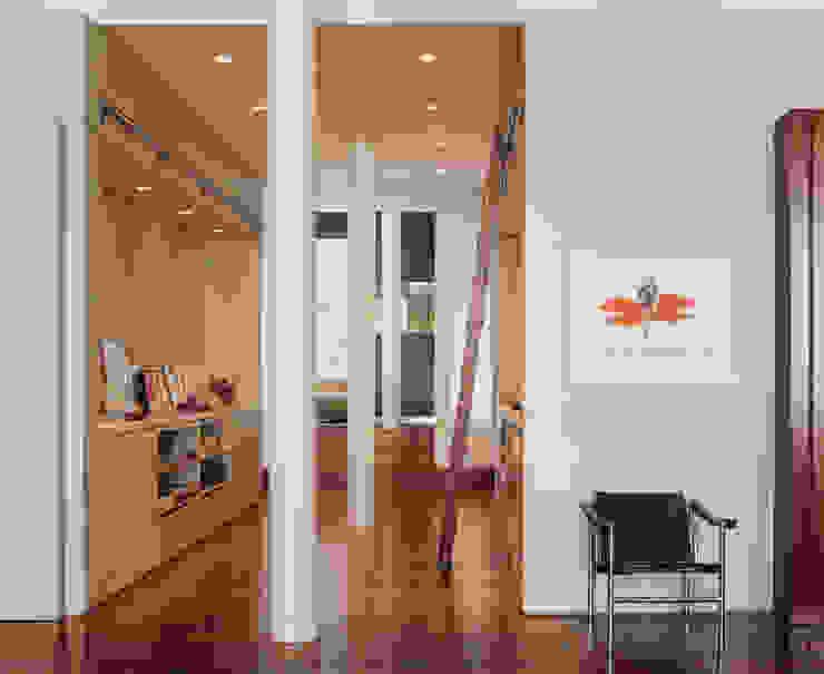 Meltzer Ames Loft Specht Architects Pasillos, vestíbulos y escaleras de estilo moderno