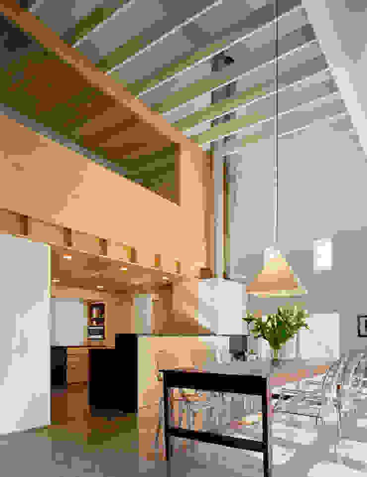 Modern Barn Comedores de estilo moderno de Specht Architects Moderno