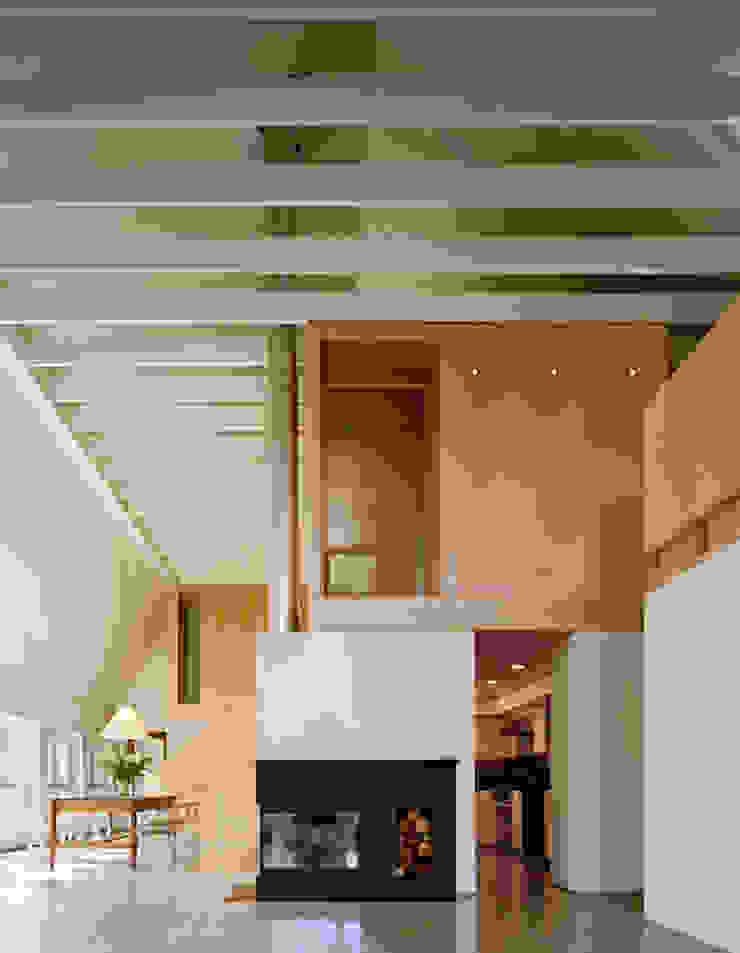 Modern Barn Salas de estilo moderno de Specht Architects Moderno