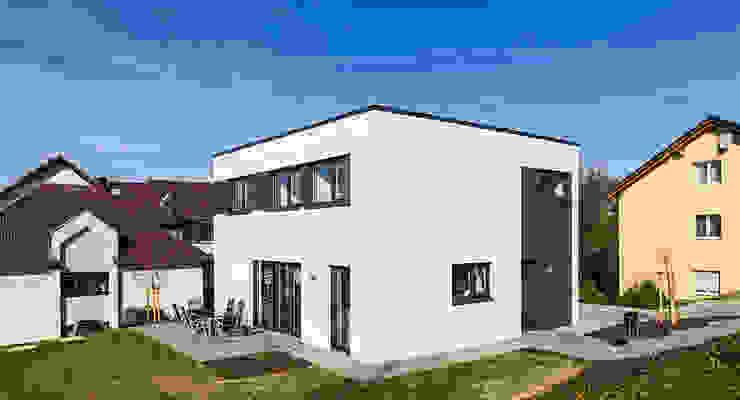 Das Energiespeicherplushaus von Dynahaus Moderne Häuser von Dynahaus GmbH & Co. KG Modern