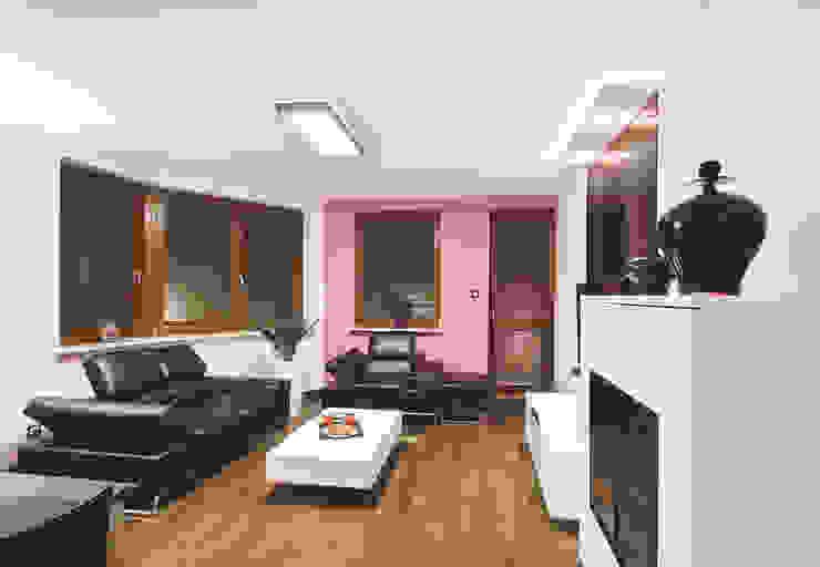 Apartament na Ursynowie Nowoczesny salon od Ładne Wnętrze Nowoczesny