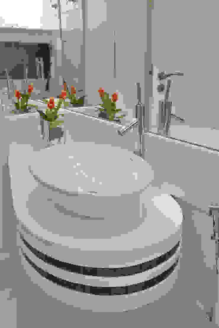 Arquiteto Aquiles Nícolas Kílaris Modern bathroom