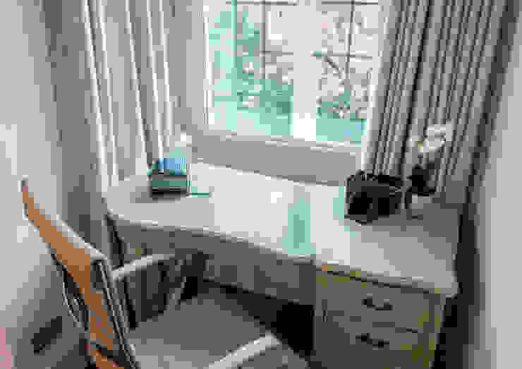 Bedroom 2 Moderne Schlafzimmer von In:Style Direct Modern