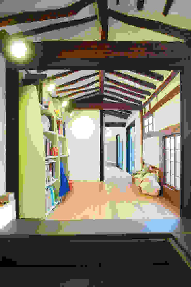 Aziatische woonkamers van JYA-RCHITECTS Aziatisch