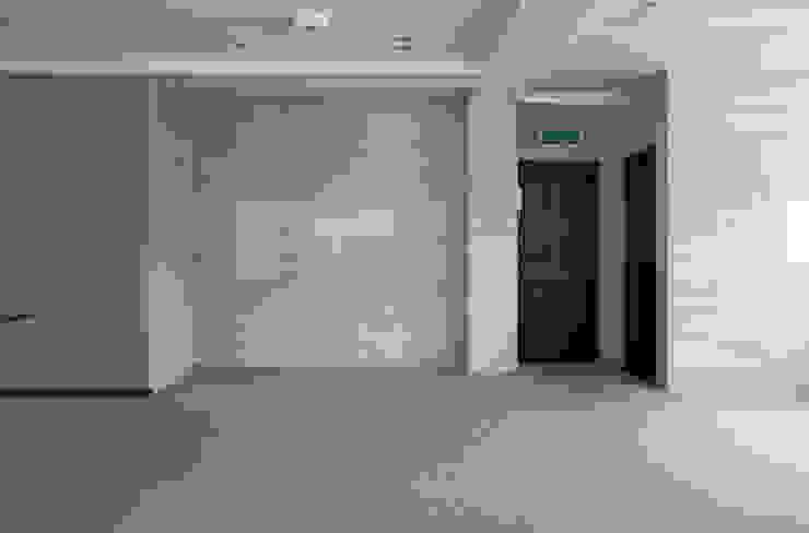 ダイニング 改修前: 伊藤一郎建築設計事務所が手掛けた現代のです。,モダン