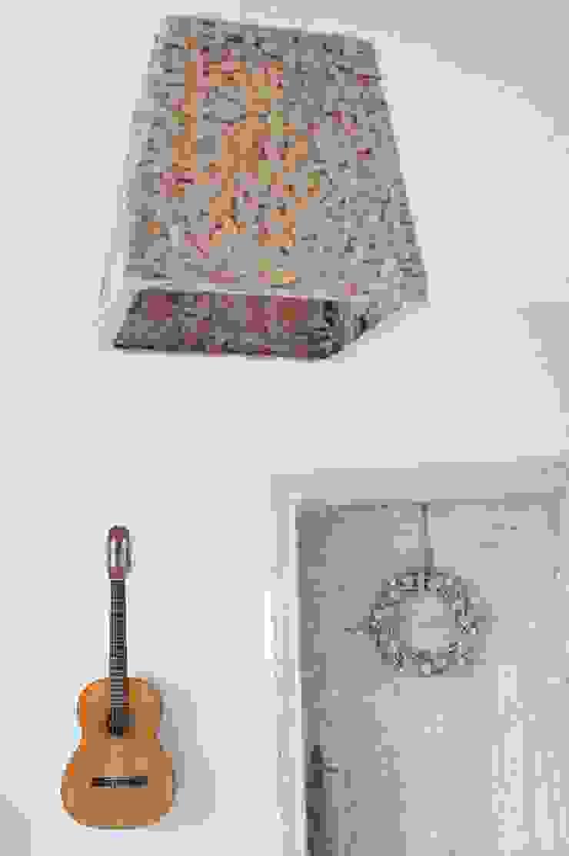 Livings de estilo ecléctico de MAJSTERKOWNIA Natalia Erdei Ecléctico