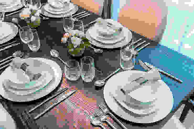 Dining set Moderne Esszimmer von In:Style Direct Modern
