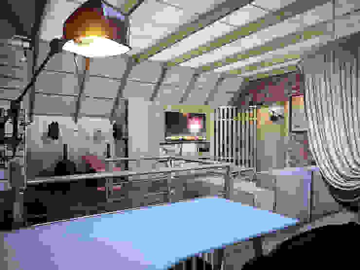 Мансарда в таунхаусе, г. Екатеринбург Рабочий кабинет в стиле лофт от Дизайн-студия 'Эскиз' Лофт