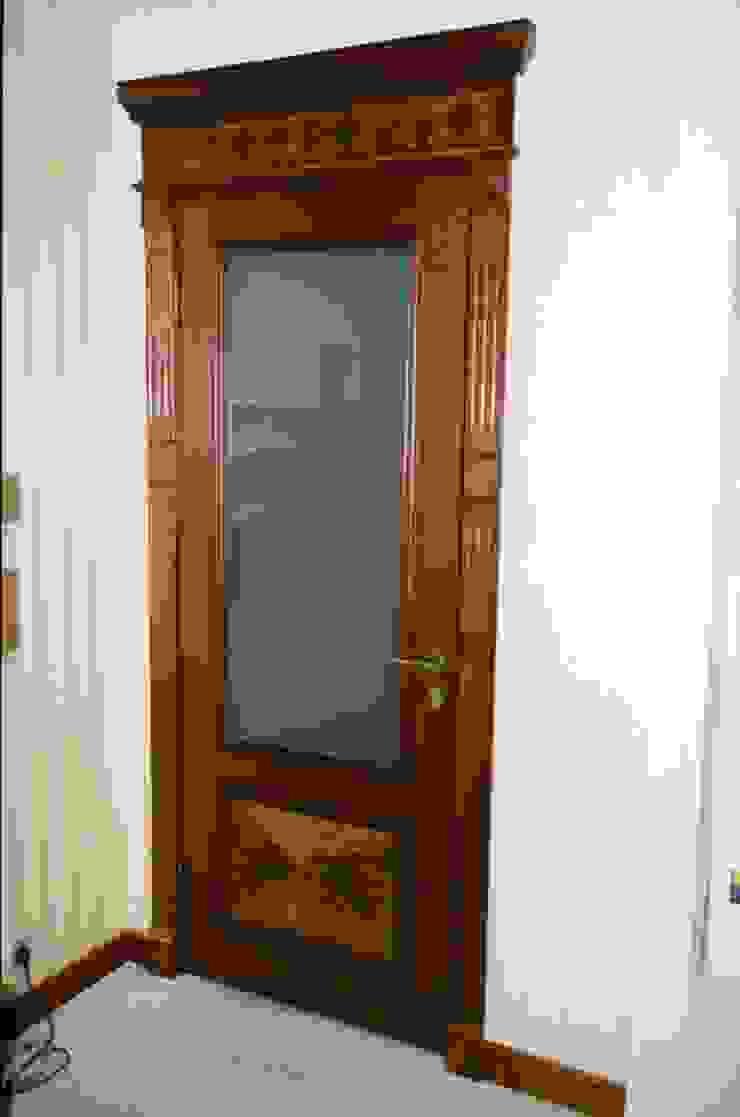 Мебельная мастерская Александра Воробьева Windows & doors Doors Wood