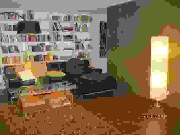 Kostengünstige Doppelhaushälften mit Plusenergie-Niveau Klassische Wohnzimmer von Planungsbüro Clobes GmbH Klassisch