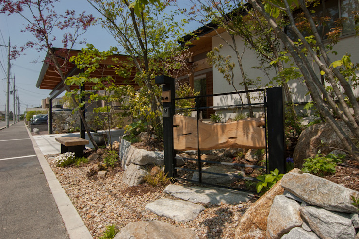 来賓門 オリジナルな 庭 の Garden design office萬葉 オリジナル