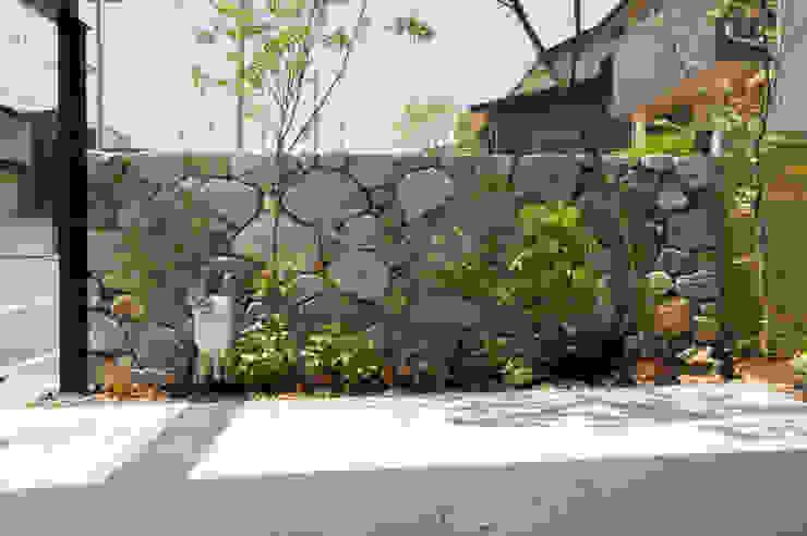 庵治石積み オリジナルな 庭 の Garden design office萬葉 オリジナル