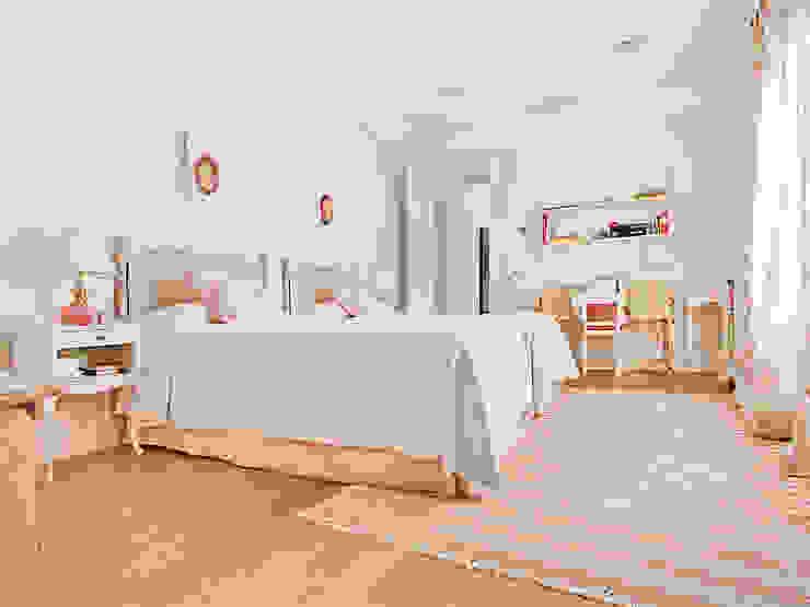 HOUSE IN VALDEMARIN Serrano Suñer Arquitectura Dormitorios de estilo clásico