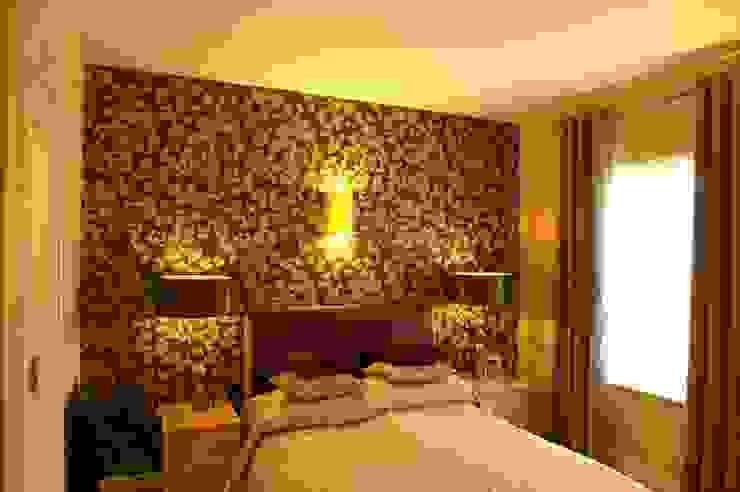 Headboard and feature wallpaper : modern  by Chameleon Designs Interiors, Modern