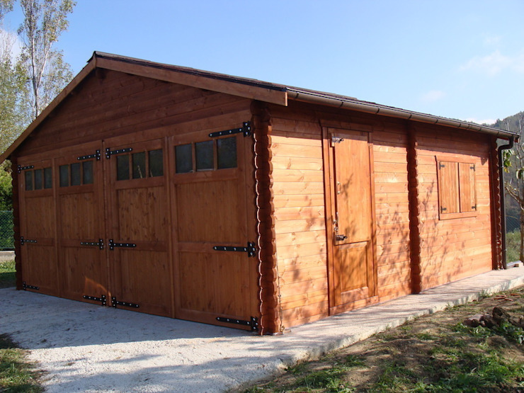 Doppio garage in legno 6x6. Spessore 44 mm di DEKALUX Moderno
