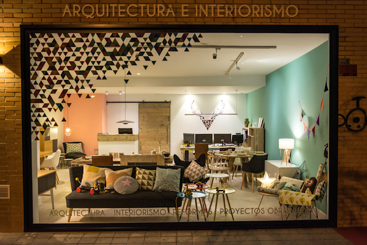 Modern offices & stores by Colectivo Arze Modern