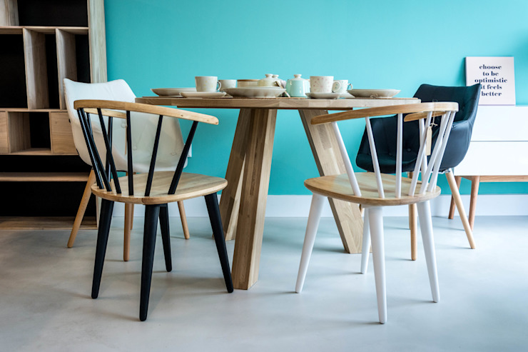 Dining room تنفيذ Colectivo Arze,
